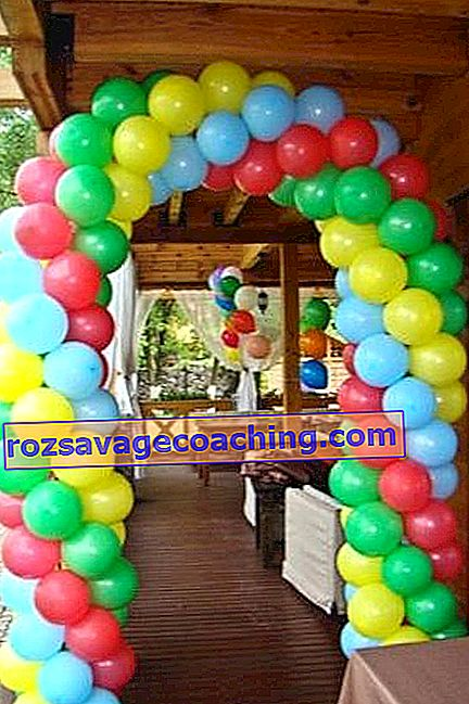 Types of garlands from balls and master classes for their production